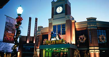 Hershey's Chocolate World exterior at Christmas