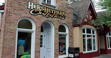 Hersheypark Outfitters exterior building view